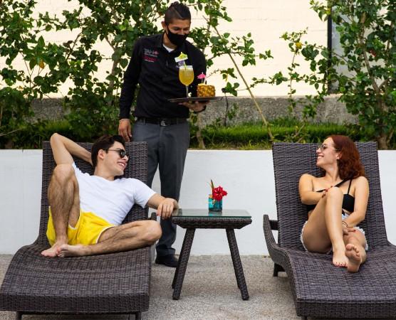 Pareja en Hotel BNayar en Riviera Nayarit Resort Todo Incluido