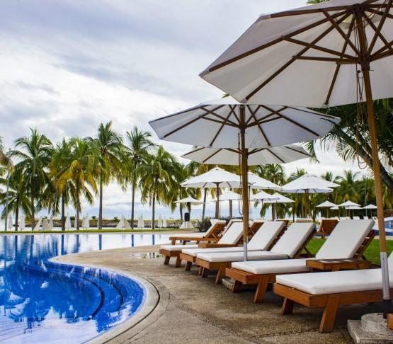 Camastros  Alberca  Hotel  B  Nayar  Riviera  Nayarit  Resort  Todo  Incluido